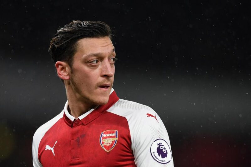 Mesut Özil Fifa E-Spor takımı kuruyor